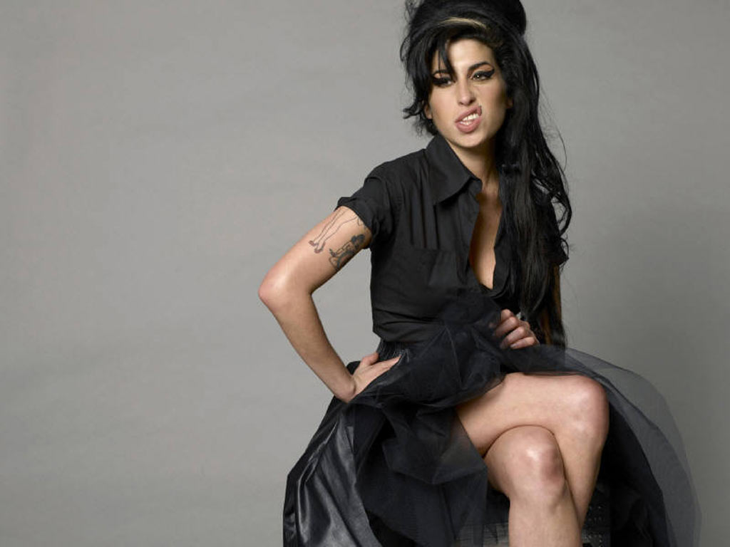 Amy Winehouse against Dubai