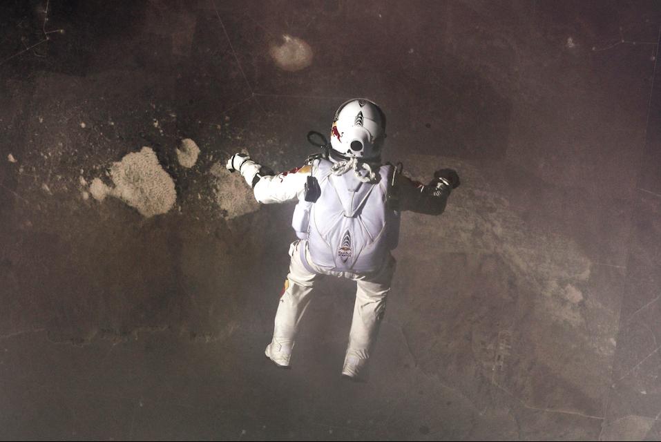 Astronaut - Jump - sodwee.com